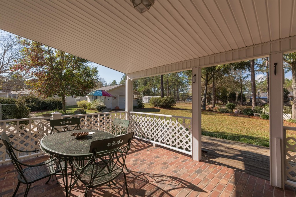 Back porch of home for sale in live oak fl